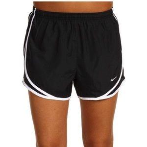 Nike Women's Dri-Fit Tempo Track Short Size M